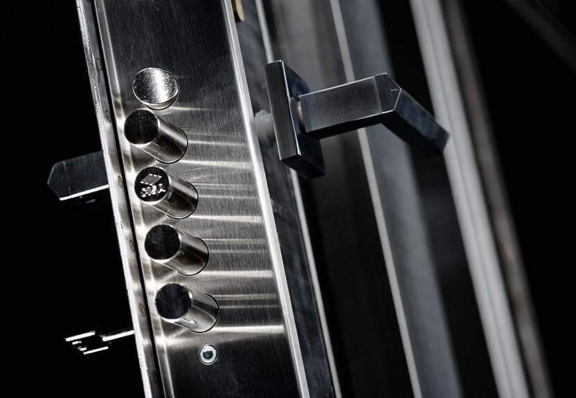 BARS - сейфовые двери