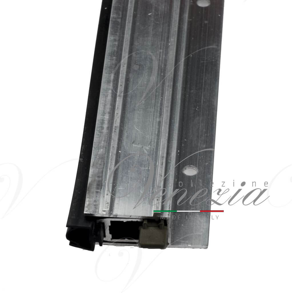 Автопорог- антипорог дверной накладной Venezia 1450/700 мм регулировка 1 уровень цвет коричневый